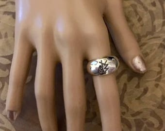 FREE SHIPPING USA Only!! Sterling Silver Ring with Design