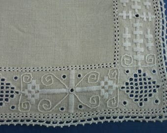 4 square Lefkara place mats, Cyprus hand made