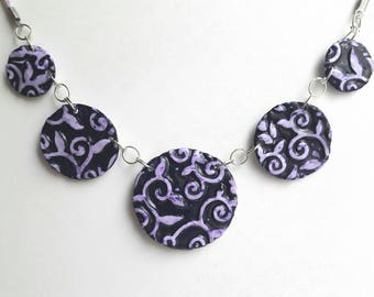 Necklace Arabesque motifs, and violet, Pearl polymer clay.