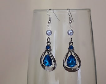 Earring drop turquoise stone