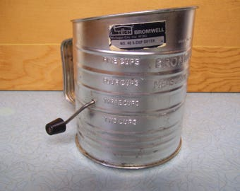 Vintage Bromwell  #40 5 cup measuring Sifter