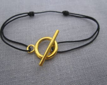 GOLD PLATED TOGGLE BRACELET