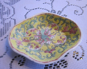 Antique Early 20th c. Chinese Canton Porcelain Trinket Tray Pin Tray