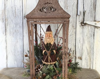 Primitive Santa in Rustic Lantern Christmas Arrangement, Winter Centerpiece, Holiday Centerpiece, Santa Christmas Decor, FAAP