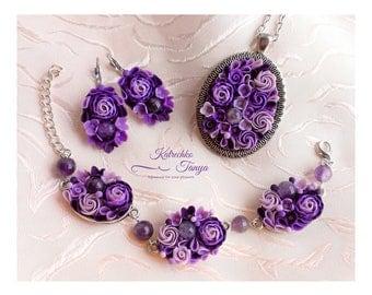 Polymer clay  purple flower jewelry set with amethyst. Violet flower bracelet pendant earings