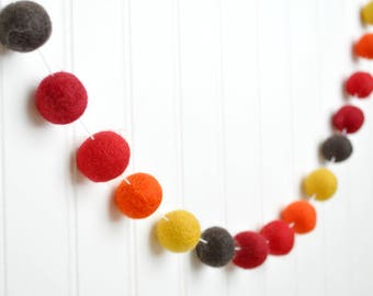 Thanksgiving Decor, Fall Felt Ball Garland, Thanksgiving Banner, Autumn Pom Pom Garland, November Decor, Fall Garland, Thanksgiving Bunting