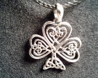 Lucky clover hand made in sterling silver charm (14) (16)