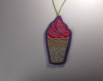 """Necklace """"the ice"""" felt embroidered"""