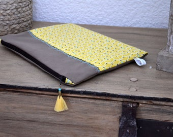 "Flat clutch with PomPoms - collection ""Smoothie"""
