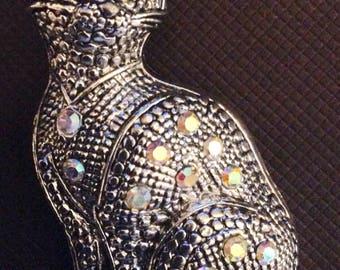 Crystal cat brooch