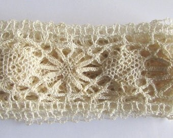Rare Antique Hand-Knitted Lace ecru on a hook to decorate 1920's