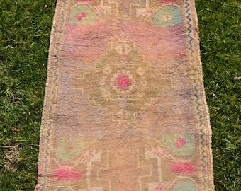 Pastel Pink Vintage Small Rug, Small Oushak Rug, Handmade Small Rug, Turkish Door Mat Rug, Small Turkish Oushak Rug, Small Rug,  1'11x3'8