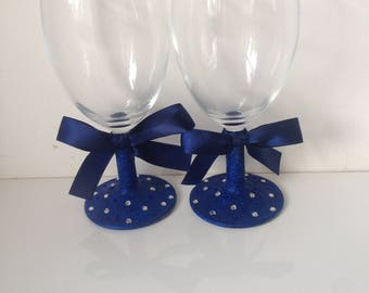 Personalised wine glass - any colour scheme - ideal bridesmaid / birthday gift