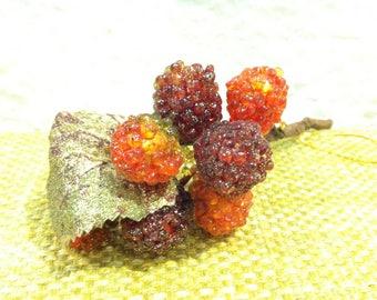 Vintage handmade berries raspberries Strauß handmade badges or decoration for all kinds of