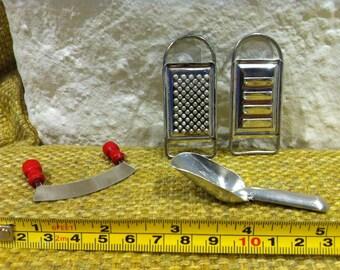 Vintage Kitchen Accessoires, Dollhouse Miniatures