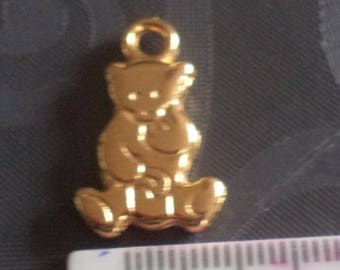 Gold of superb quality new Teddy bear charm