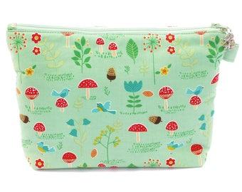 Green Woodland Wash Bag