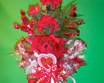 Valentine Flower, Bear & Candy Bouquet Mug DIY Instructions - Valentine's Day Gift Idea - Valentines Crafts - Gift Ideas - How To Do Crafts