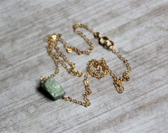 Labradorite raw Necklace, labradorite gold filled necklace,Labradorite Necklace,14k gold filled necklace ,Gift for her,birthstone,crhistimas