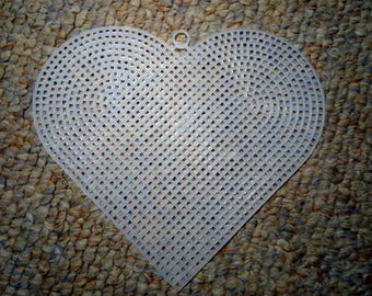 "New 7 Mesh Plastic Canvas  6"" Clear Hearts-5 piece set"