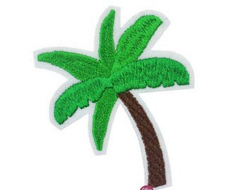 Embroidered back fusible Palm 7 x 6 cm