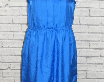 Size 12 vintage 80s sleeveless reworked pleat front midi dress silky blue (HY54)