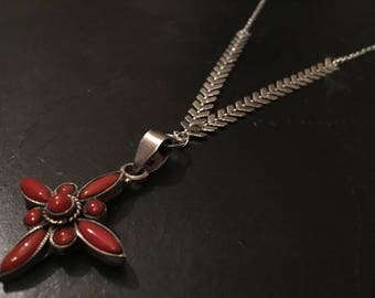Necklace featuring a cross of Chiapas