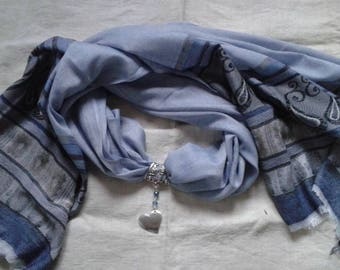 blue grey scarf and his heart jewel