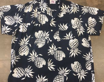 Vintage 1950s Duke Kahanamoku Black & White Pineapple Rayon Shirt XL
