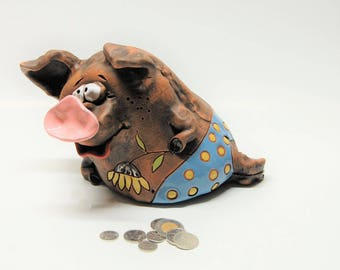 "Piggy bank ""Pig on vacation"".Coin bank""Pig in the vest"".Money bank.Vintage piggy bank."