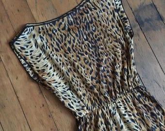 SUMMER SALE vintage 1970s dress // 70s leopard print day dress