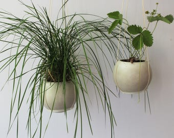 Gypsum planter, Hanging Planter, Concrete Planter, Varnished Pot, Hanging Pot, Gypsum Pot, Succulent Planter, Big Planter, Gift For Her