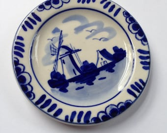 Vintage Delft porcelain handpainted little plate
