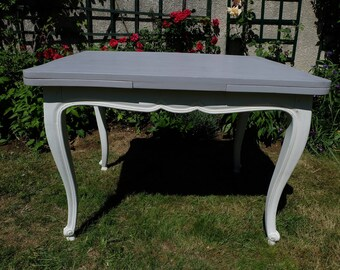 Beautiful Regency style table