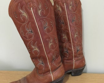 Vintage 1970s Acme TALL women's cowboy/western boots! Size 7.5