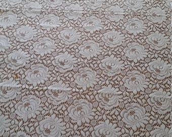 Vintage Lace Tablecloth~Florals~Good for Craft Projects