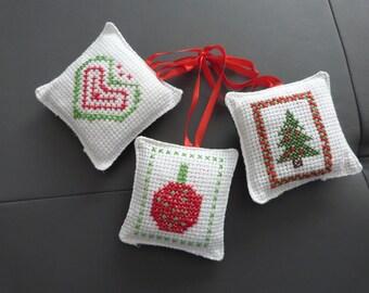 The 3 ornaments Christmas cushions