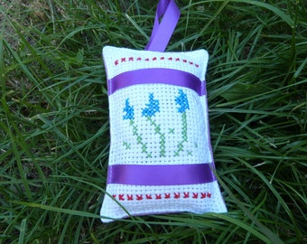 A sachet of lavender for Cabinet