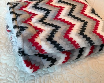Soft double layer chevron baby blanket