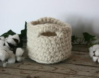 Crochet chunky mini basket / small storage / nesting bowl / wool basket with handles / cream crochet basket / catch all basket/chunky basket