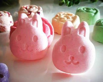 Easter Bunny Bathbomb! Handmade bathbombs Easter!