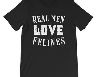 Real men love cats felines cat dad t-shirt cat lovers shirt funny cat tshirt mens cat t-shirt gifts for husband dad mens cat lovers shirt