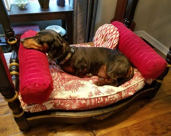 Royal Toile Luxury Pet Bed