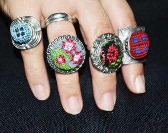Round shape rings, different pattern and color.
