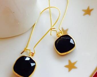 Earrings dangle onyx