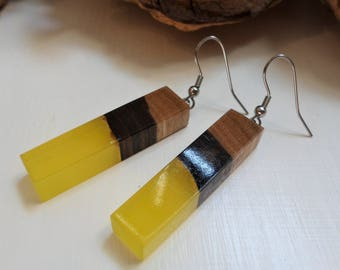 FREE SHIPPING, rectangular earrings yellow resin and natural wood//gift for her particular gift////