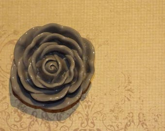 LARGE GRAY RESIN CAMELLIA