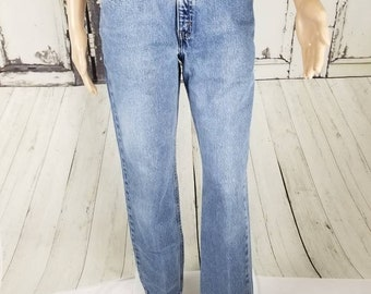 Vintage Levi's 505 Light Wash High Waisted Mom Jeans//Women's size 30 Medium M