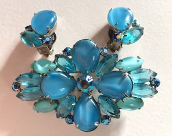 DELIZZA & ELSTER* Beautiful Juliana Shades of Blue Brooch and Earrings Demi Parure