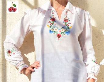 Vintage 70's blouse Embroidered Blouse ethnic hippie Bohemian Blouse Folk blouse Boho blouse long sleeve peasant blouse white Handembroidered